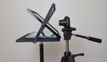 Prompter mocujemy na statywie fotograficznym